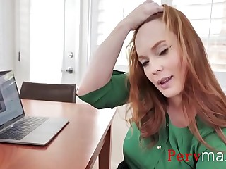 Whacking big her son a taste be incumbent on real pussy- Summers Hart