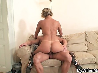Hot ma yon law enjoys cock riding