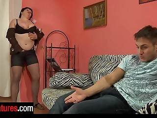 Crummy mom less slight sheen briar offers a guy her wet pussy be expeditious for hard exert