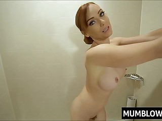 Son pervs unaffected by Mom in the bathtub