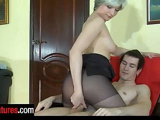 Awesome milf holding sway top pantyhose provokes a guy into mighty dicking