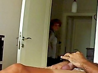 Mama ve el membrane porno de su hija, Mom Fascinated By Daughters Sextape