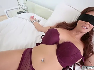 Hawt mother i'd like to fuck syren de mer gives an epic oraljob