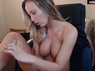 Webpussi.com an concupiscent belle copulates herself in an anal valve