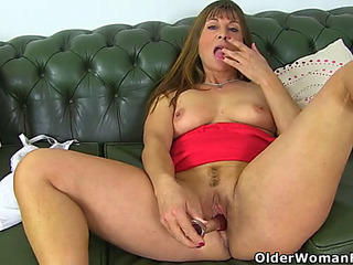 British mother i'd like to fuck lelani lets us have a fun her moist fanny